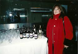 Las botellas de vino etiquetadas con fotos de mis obras