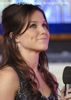 sophia bush total request live jan17 2007 cBoDhjP.sized Sophia Bush Photo Gallery
