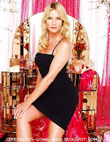 464px Edie britt 2006 Nicollette Sheridan Photo Gallery  Desperate Housewife Edie
