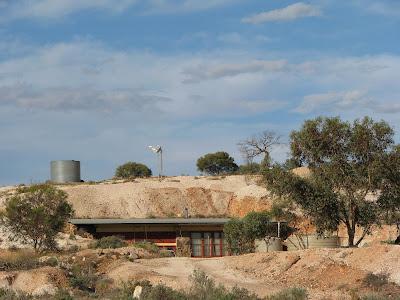Cat et nick en australie for Maison container sous terre