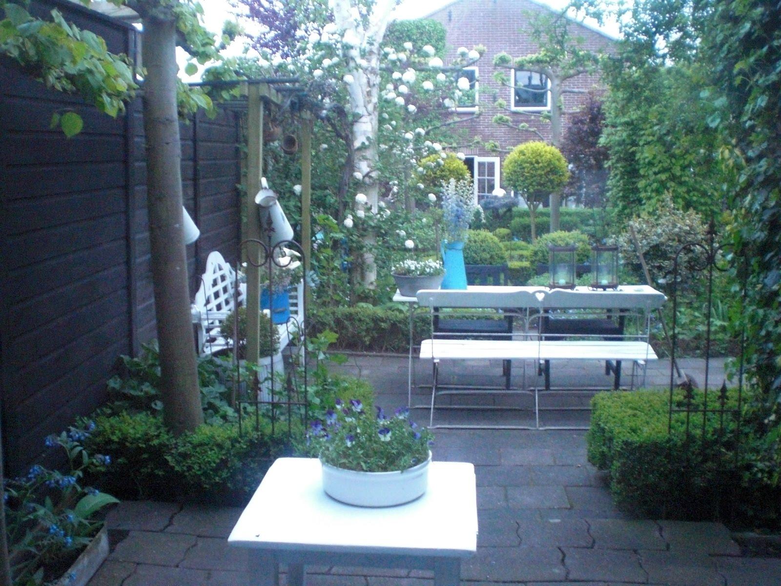Schutting zwart verven loungeset 2017 for Schutting tuin