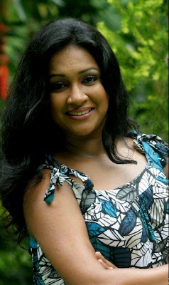 Srilankan Actress Nadeesha Alahapperuma Sexy Photos