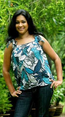 Srilankan Actress Nadeesha Alahapperuma Sexy Photos