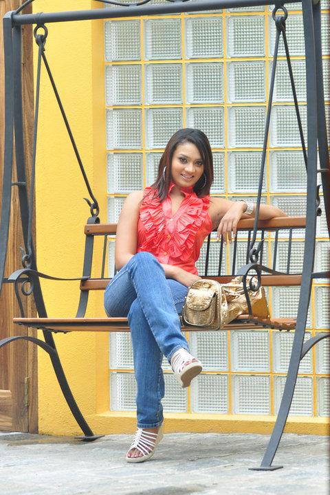 Nadini Premadasa hotted photos