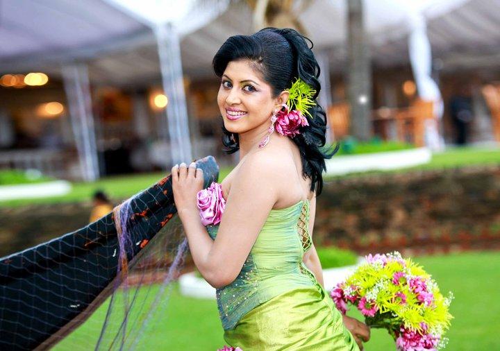 Sri Lankan Teledrama Actress And Upcoming Model Rekha Samanmmale Wedding Photos The Universe