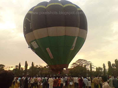 hot air balloon ride for radio fm channel promotion from mananchira park in calicut town kerala
