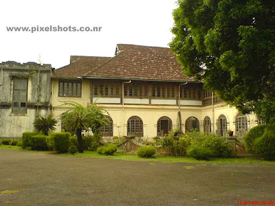 palace building front view,photograph of one of the old palaces used by royal family of cochin in kerala