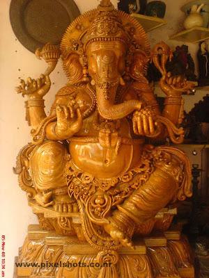 ganesh hindu god wooden sculpture,big ganapathy statue made of timber