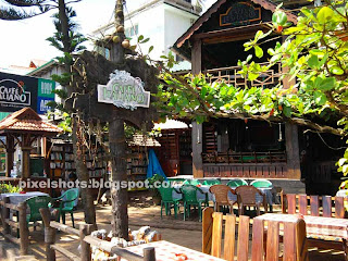 cafe italino a sea side cliff top beach reataurant in kerala varkala india,kerala beach side hotels,italian reataurants in kerala,sea side hotels and cafes near varkala helipad