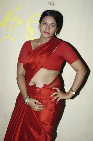 ... Navel Gallery: Plumpy Aunty Wide Deep Fleshy Curvy Navel Show Picture
