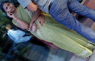 Portal Real Life Desi Aunty Very Low Hip Saree Fleshy Nabhi Image