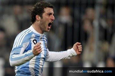 Argentina venció a Alemania en amistoso, Maradona respira