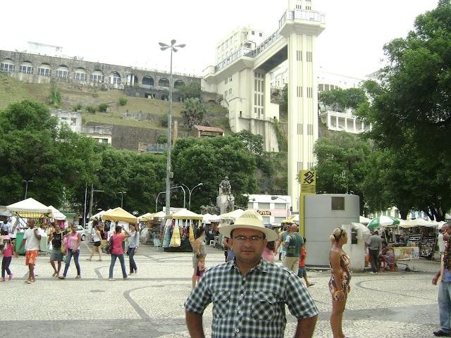 Dorjival Silva visita principais pontos turísticos de Salvador