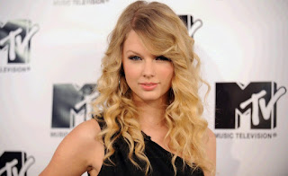 Taylor Swift,Beautiful American Country Pop Singer