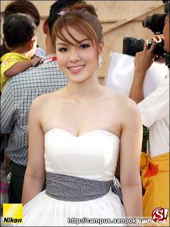 Lydia Thai Singer