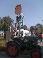 Max auf'm Traktor