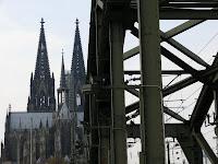 Blick von Brücke auf Dom