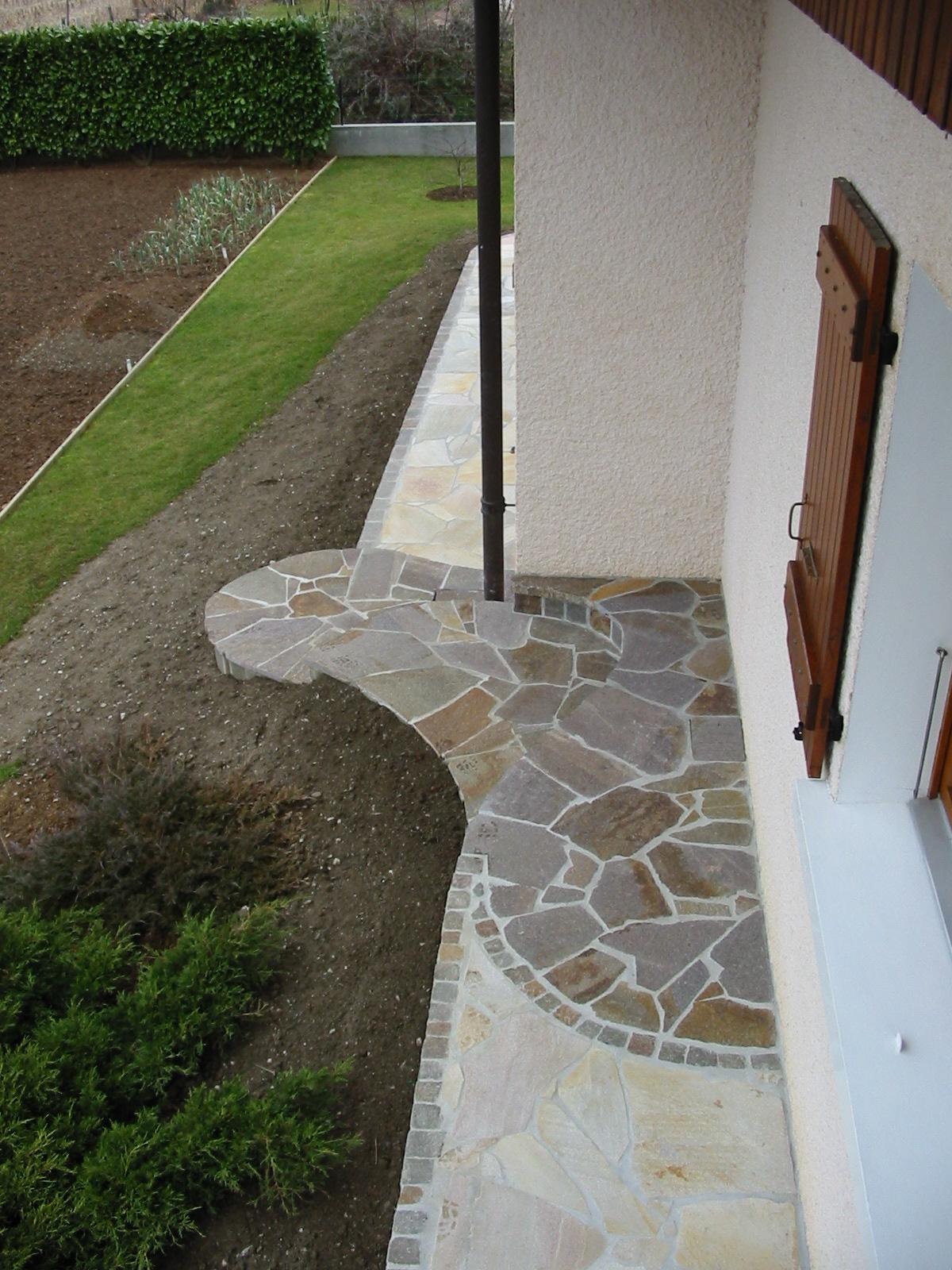 Marche en pierre exterieur fashion designs - Marche escalier exterieur jardin ...