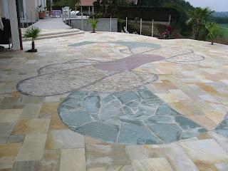 Terrasse en pierre personnalisée