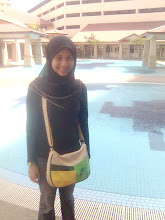 at SwiMMinG pOOl