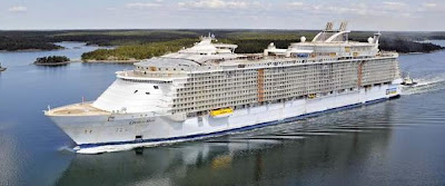 Royal Caribbean's Oasis of the Seas, click to enlarge