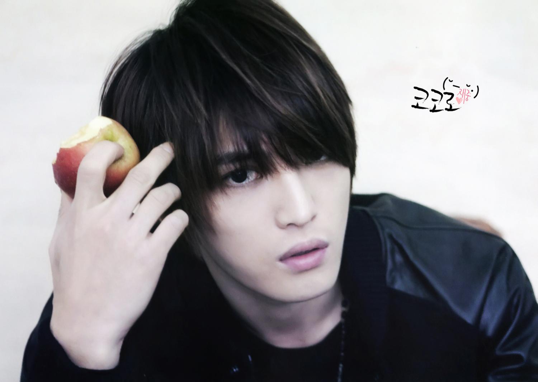 http://2.bp.blogspot.com/_ROgOT41wTUU/TTYT57W_M_I/AAAAAAAAAII/gTb5rDBdtYw/s1600/Jaejoong.jpg