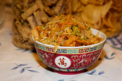 Only slightly pretentious food recipe chinese new year lo hei recipe chinese new year lo hei forumfinder Choice Image