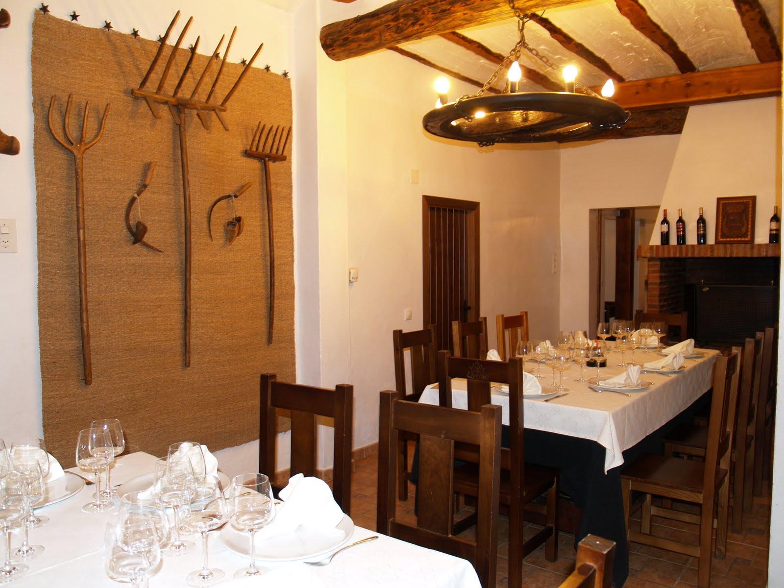Enogourmet vinos y gastronom a bodegas torroja en el - Decoracion para bodegas ...