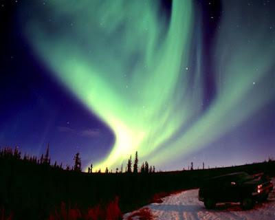http://2.bp.blogspot.com/_RSIsmQVOF0w/S7yCrnDZP_I/AAAAAAAAABM/ipAfpE_nlm8/s1600/alaska-aurora-borealis.jpg