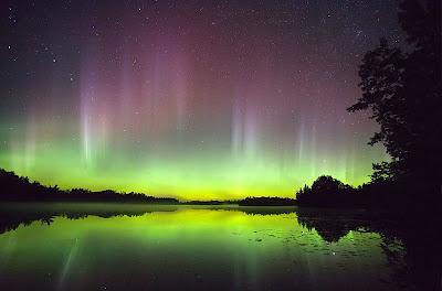 http://2.bp.blogspot.com/_RSIsmQVOF0w/S7yDWJYDm4I/AAAAAAAAACA/Rcq2hnKPc2E/s1600/aurora_largegsfc_20080304_hi.jpg