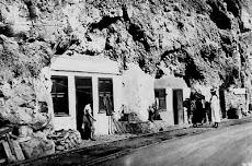 Casas Cuevas en el litoral Canario.Años 40
