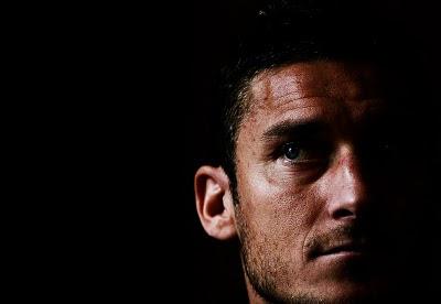 Francesco Totti kommentiert die mittlerweile deaktivierte italienische Facebook-Gruppe Tiro a segno sui down,Zielschiessen mit Down-Kindern, Behinderung Handicap, Down Syndrom, Down-Syndrome, Extrachromosom, Trisomie 21, Sport, Diskriminierung Rassismus, Italien