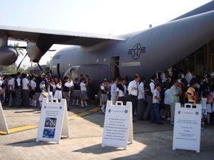 NOAA & U.S. Air Force Reserve ermöglichen das Besichtigen eines Hurricane Hunter-Flugzeugs (Mexiko, Antigua, Bermuda, Puerto Rico & El Salvador), aktuell, Hurrikansaison 2010, Atlantik, Hurrikanfotos, Karibik, Mexiko, Wissenswertes Sturm und Hurrikan,