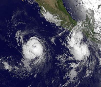 Pazifik aktuell: Mit CELIA und DARBY haben wir nun 2 Hurrikans zur gleichen Zeit in derselben Region, 2010, aktuell, Celia, Darby, Hurrikan Satellitenbilder, Hurrikanfotos, Hurrikansaison 2010, NASA, Pazifik, Vorhersage Forecast Prognose, Zugbahn,