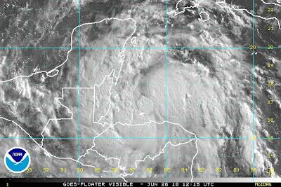 Atlantik aktuell: Der Tropische Sturm ALEX beeinflusst das Wetter in Yucatán (Halbinsel, Mexiko), Belize, Guatemala und Honduras, 2010, aktuell, Alex, Atlantik, Guatemala, Mexiko, Belize, Sturm, Zugbahn, Vorhersage Forecast Prognose,