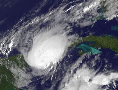 Hurrikan PAULA verschont Cancún & Co - jetzt ist Kuba im Visier, 2010, aktuell, Atlantik, Hurrikansaison 2010, Hurrikanfotos, NASA, Paula, Mexiko, Karibik, Kuba, Riviera Maya, Cancún, Cozumel, Touristen, Playa del Carmen,