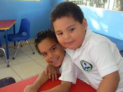 Alumnos del Colegio en su aula de clases