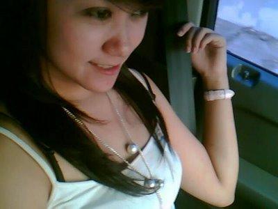 http://2.bp.blogspot.com/_RV0owbdL-2E/SwO166mp2OI/AAAAAAAAAKQ/uY--SmJ5vpw/s1600/fitri-cewek-cantik-friendster%5B1%5D.jpg