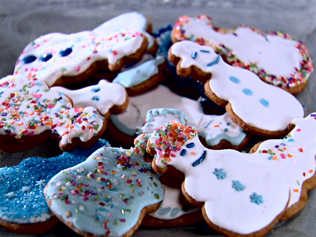 SH0908_Gingerbread_Cookies_with_Royal_Icing_lg.jpg