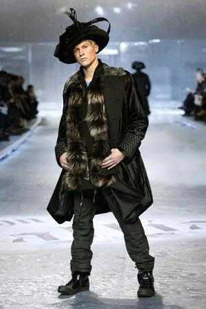 elizabethan hairstyle. Elizabethan Fashion for Men. Galliano Fall 2008.