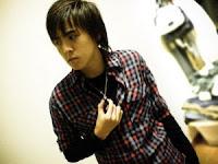 Derrick Hoh / He Wei Jian