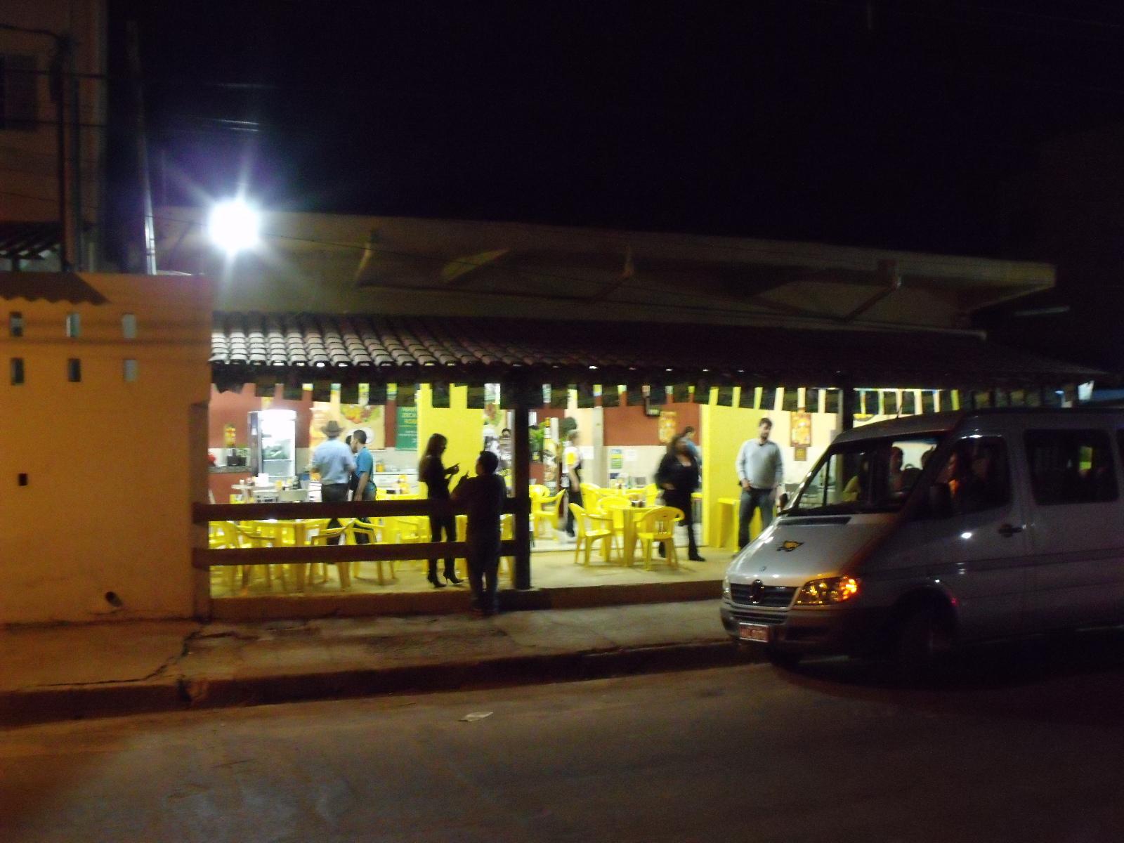 Imagens de #ACA81F Enfim o Barreiro. Território do Bar do Zezé e do Bar do Ferreira  1600x1200 px 3630 Banheiros Simples Reformados