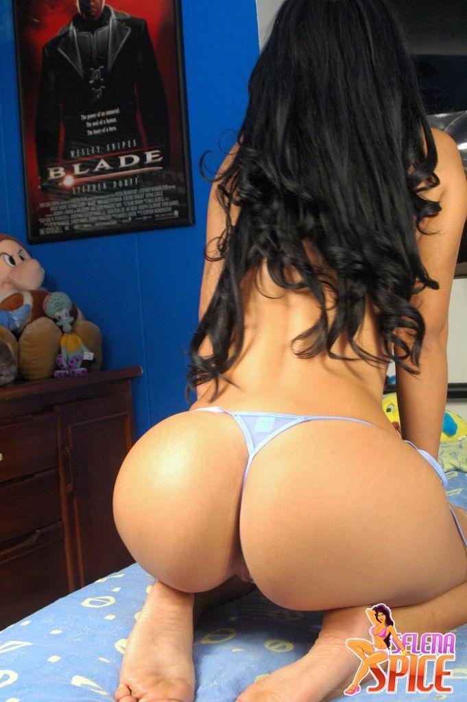 Las Mas Famosas Bueno Les Dejo Fotos Donde Esta Desnuda En La Cama