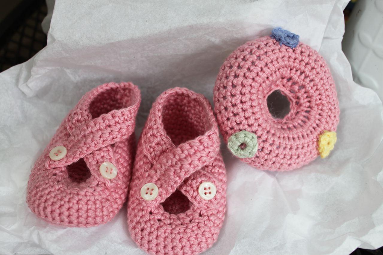 Crocheting Baby Stuff : Metamorphosis: Crocheting Baby Gifts