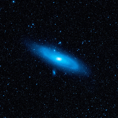 Andromeda galaxy's older stellar population in blue.