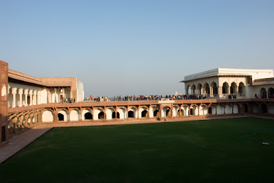 Photo of the big green courtyard of Agra Fort
