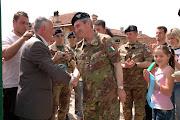 """Il Comandante della """"Pinerolo"""" con le Autorità in  Kosovo"""