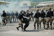 Militare ferito e soccorso prontamente dai commilitoni.