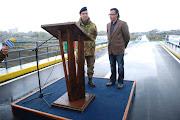 Il Gen. Comandante della Pinerolo, inaugura il Ponte, costruito dai nostri ragazzi...