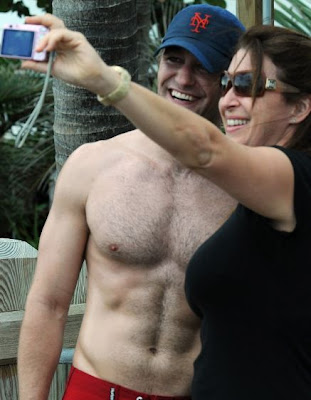 Matthew Morrison: Shirtless stroll around Miami. Another for good measure.